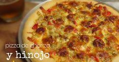 Esta pizza de chorizo y hinojo dos ingredientes que van muy bien es perfecta para servir a la hora de las comidas.