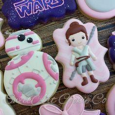 Fancy Cupcakes, Fancy Cookies, Custom Cookies, Sugar Cookies, Star Wars Cookies, Star Wars Cake, Girls Star Wars Party, Star Wars Food, Princesa Leia