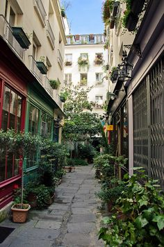 Passage de l'Ancre by Bee.girl, via Flickr