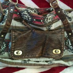 Large Tribal Crossbody Purse. Very spacious, and comfy straps, nicely cared for Forever 21 Bags