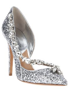 Get the must-have pumps of this season! These Silver Pumps Size US Regular (M, B) are a top 10 member favorite on Tradesy. Pretty Shoes, Beautiful Shoes, Bridal Shoes, Wedding Shoes, Wedding Veils, Wedding Hair, Bridal Hair, Wedding Jewelry, Crazy Shoes