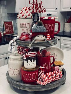 Country Christmas Decorations, Valentines Day Decorations, Xmas Decorations, Christmas Booth, Christmas Time, Christmas Crafts, Tray Styling, Hot Cocoa Bar, Hot Chocolate Bars