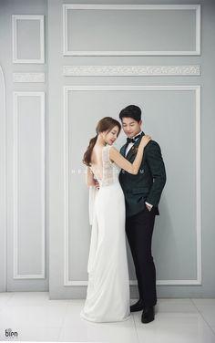 Pre Wedding Poses, Wedding Couple Poses, Couple Posing, Couple Shoot, Wedding Couples, Wedding Photos, Korean Couple Photoshoot, Korean Wedding Photography, Prewedding Photo