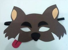 The Numerous Faces Of Mascara Wolf Costume, Three Little Pigs, Red Party, Diy Mask, 2nd Birthday Parties, Red Riding Hood, Diy Costumes, Little Red, Easy Crafts