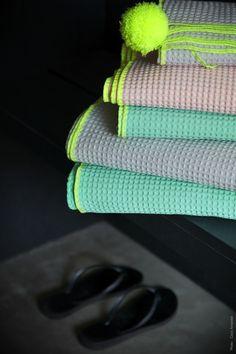 Serviettes de toilette - Bath towels - La cerise sur le gateau - Photo : Coco Amardeil www.lacerisesurlegateau.fr
