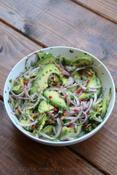 Chunky avocado salsa or side salad – Laylita's Recipes - Avocado chunky salsa Mexican Food Recipes, Vegetarian Recipes, Cooking Recipes, Healthy Recipes, Cooking Tips, Grilled Salmon Recipes, Avocado Recipes, Grilled Fish, Tilapia Recipes