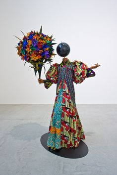 MISS UTOPIA, 2013, Commissioned by The Barnes Foundation, Philadelphia >> Yinka Shonibare & Bellerby & Co Globe