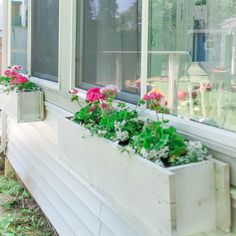 Easy Flower Window Box DIY for the deck to hide space underneath Diy Pergola, Deck With Pergola, Pergola Ideas, Pergola Swing, White Pergola, Corner Pergola, Small Pergola, Metal Pergola, Home