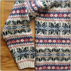 vtg fairisle cardigan This cozy and cute cardigan is in fantastic vintage condition. Festive for Christmas, yet also perfect for the chilly winter months ahead. Vintage Sweaters Cardigans