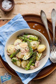 Potato, tuna and asparagus salad/Sałatka ziemniaczana z tuńczykiem i szparagamii