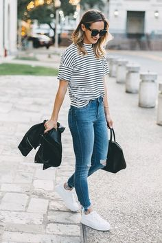 Beauty cute but casual look of the most stylish jeans outfits ideas 16 – wonders style Uni Outfits, Mode Outfits, Spring Outfits, Boyish Outfits, Jean Outfits, Moda Preppy, University Outfit, University Style, Looks Jeans