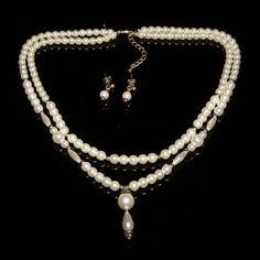 Gorgeous pearl Necklace and Earrings by Miranda Templeton just ooze a real Gatsby feel to them.