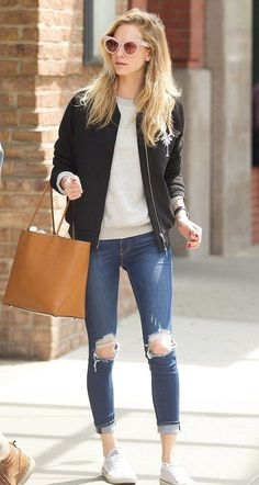 Cool 77 Casual Fall Outfits Ideas for Women https://bitecloth.com/2017/09/04/77-casual-fall-outfits-ideas-women/