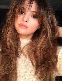 Thinking of getting bangs like Selena Gomez? The best style for your face shape. Thinking of getting bangs like Selena Gomez? The best style for your face shape. Face Shape Hairstyles, Fringe Hairstyles, Hairstyles With Bangs, Bangs Hairstyle, Long Shag Hairstyles, Saree Hairstyles, Wedding Hairstyles, Copper Blonde Hair, Honey Blonde Hair