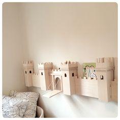 MESy design: DIY project: castle turned into bookshelf