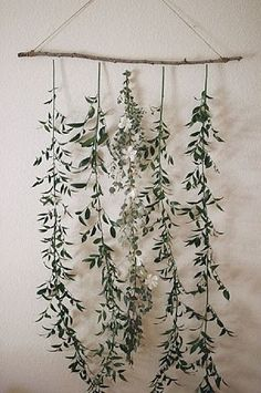 create a simple floral backdrop to transform your wedding wedding backdrop Floral Backdrop, Diy Backdrop, Floral Garland, Vintage Backdrop, Backdrop Decorations, Ceremony Backdrop, Deco Floral, Floral Wall, Floral Couch