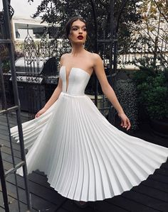 2019 Summer Women Sexy Strapless Pleated Dress Off-Shoulder Club Party Dress Solid Elegant Dress Evening Dresses, Prom Dresses, Formal Dresses, Modern Wedding Dresses, Wedding Gowns, Pleated Dresses, Bridal Gown, Pretty Dresses, Beautiful Dresses