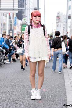 too cute: Harajuku Girl in Lace Top