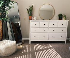 College Apartment Decor, Room Inspiration Bedroom, Bedroom Makeover, Bedroom Interior, Farmhouse Style Bedroom Decor, Apartment Decor, Room Decor Bedroom, Small Bedroom, Simple Bedroom