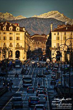 Buon giorno Torino, i monti ti abbracciano... #montagne #Torino #Fotografandocreativamente