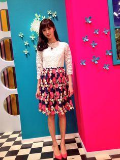 新川優愛 staff @yua_staff  4月2日 TBS「王様のブランチ」です! 本日も宜しくお願い致します^ ^午後ハウツーブックンのコーナーもお楽しみに♪