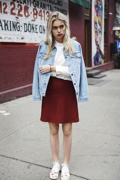 Spring street style look from New York by Claire Rose Cliteur. The outfit is by #Zara, #Cos, Levi's, Charlie Rose, and Comme des Garçons shoes http://amayzine.com/en/2015/look-of-the-day-with-claire-rose-cliteur/