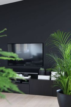 TAILORED TV SOLUTION Love this way of dealing with the fact that a screen is usually a big rectangle on the wall… House Design, House Styles, Black Walls Living Room, Luxury Living Room, Home Room Design, Living Room Decor Apartment, Home, Black Living Room, Black Walls