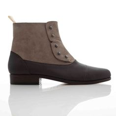 I sooooo want this boot (and don't give a damn that it's a man's shoe, the benefit of large feet) but am too scared of not being able to try it on first.