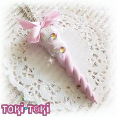 ♥ This listing is for one(1) Pink Pastel Unicorn Horn Necklace. This Cute Unicorn Horn has two rainbow rhinestones and clear translucent dust