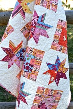 Quilt Lap Baby The Ladies Stitching Club by PiecesOfPine on Etsy Star Quilts, Scrappy Quilts, Baby Quilts, Quilt Blocks, Patchwork Quilting, Quilting Projects, Quilting Designs, Sewing Projects, Quilting Ideas