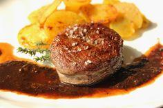 V kuchyni vždy otevřeno ...: Steak s rozinkovou omáčkou