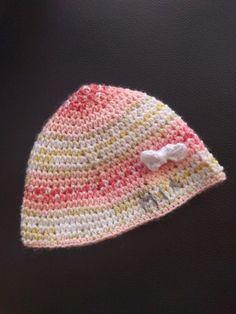 Mützen - Leichte Babyhaube mit Name in versch. Farben - ein Designerstück von Pale01 bei DaWanda