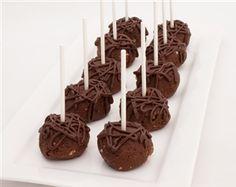 Chocolate cake pops on a stick  #cookies #modernbite #cakepops