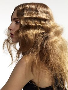 Making waves with hair hair and pretty faces in 2019 crimped hair, hair sty Messy Hairstyles, Pretty Hairstyles, Hairstyles 2016, Crimped Hair, Crimped Waves, Messy Waves, Frizzy Hair, Runway Hair, Corte Y Color