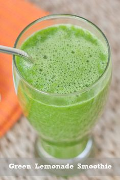 Green Lemonade Smoothie -- detoxifying,alkalizing and energizing!