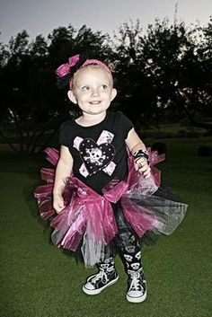 """if Presley was around in my """"hot topic days"""" she would be dressed like this"""