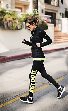 Black and neon nike workin on my fitness nike neon, workout Athletic Outfits, Athletic Wear, Sport Outfits, Cute Outfits, Running Outfits, Casual Outfits, Sport Fashion, Look Fashion, Fitness Fashion