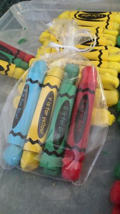 Edible Crayons~ great snack that goes with our GWA's theme!!!