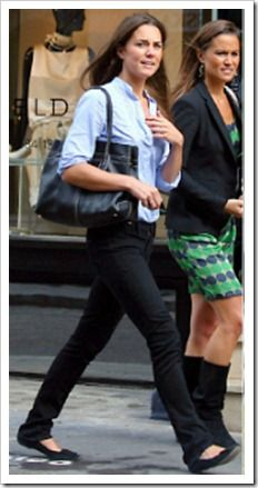 Nice neutral colors & practical to fitting looking casual elements (on Kate to the left) for out city walking for a day