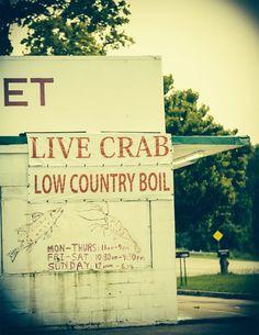 Live Crab & Low Country Boil in Savannah, Georgia! #eat