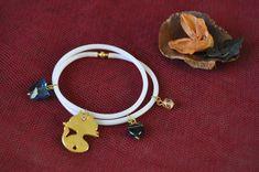Επιλέξτε χρώμα ανάλογα με τη διάθεσή σας..!! Μαύρο & Άσπρο Winter, Bracelets, Leather, Jewelry, Winter Time, Jewlery, Jewerly, Schmuck, Jewels