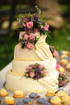 Bolos de Casamento Modernos e Diferentes