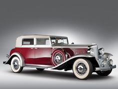 A lengthy, sleek 1932 Marmon Sixteen Convertible Sedan. #vintage #1930s #cars