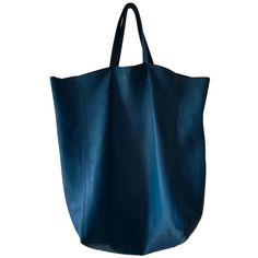 "Pre-owned """"Cabas Tote Bag"""" ($540) ❤ liked on Polyvore featuring bags, handbags, tote bags, blue, celine handbags, blue handbags, blue tote handbags, shopper handbags and blue tote"
