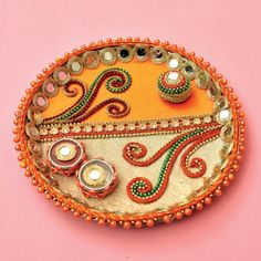 Diwali Gift Box, Diwali Diy, Diwali Craft, Arti Thali Decoration, Diwali Decoration Items, Diy Crafts For Home Decor, Diy Crafts For Gifts, Holi Gift, Acrylic Rangoli