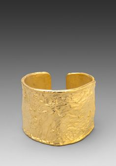 KENNETH JAY LANE Hammered Cuff in Gold