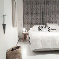 I love the neutral colors en de peaceful, nordic, scandinavian  vibe in our bedroom.