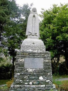 Monument to Saint Gobnait, patron saint of beekeepers in Ireland. Patron Saints, Bee Keeping, Statue Of Liberty, Fountain, Bees, Outdoor Decor, Sculpture, Goddesses, Celtic Mythology