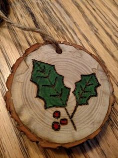 me ~ 20 Natural Wood Slice Christmas Decor Ideas Wood Slice Crafts, Wood Burning Crafts, Wood Burning Patterns, Wood Burning Art, Christmas Wood Crafts, Rustic Christmas, Christmas Projects, Holiday Crafts, Red Crafts