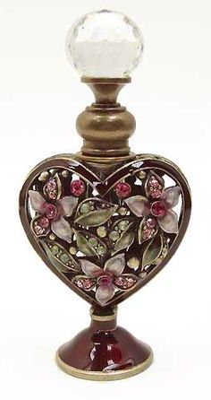 Vintage Burgundy Heart Perfume Bottle with Pink Flowers and Rhinestones Antique Perfume Bottles, Vintage Bottles, Objets Antiques, Perfumes Vintage, Glas Art, Beautiful Perfume, Bottle Art, Art Nouveau, Slab Pottery